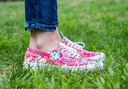 Post_top_5_vans_authentic_multi_floral_backseries