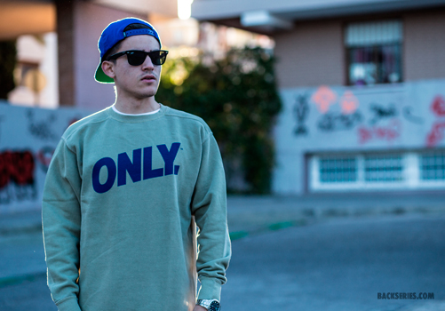 Volley-crewneck-sand